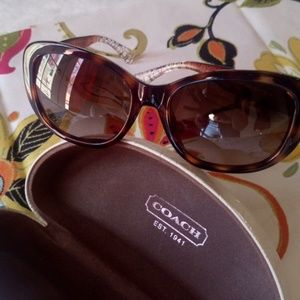 COACH 🕶️... Excellent like new condition!